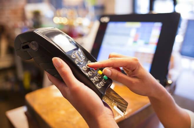 消費者と店側(加盟店)のクレジットカードの手数料の違いは?